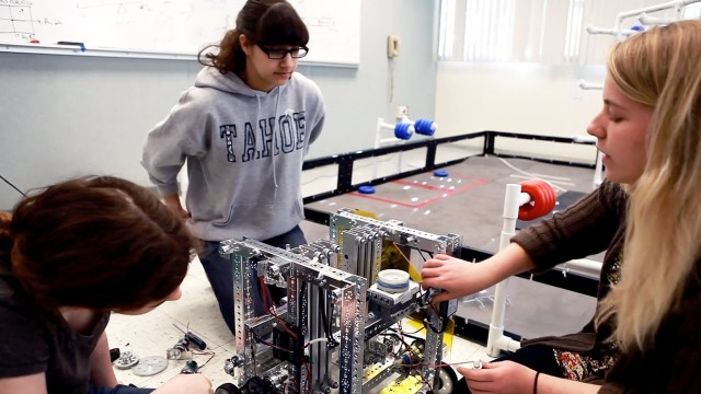 (English) Making robots as an example of Project-based learning